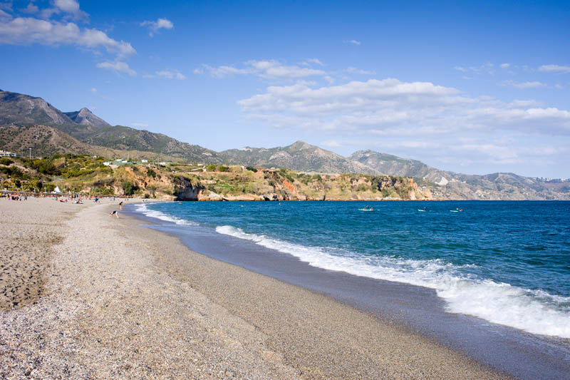 playa-burriana-nerja